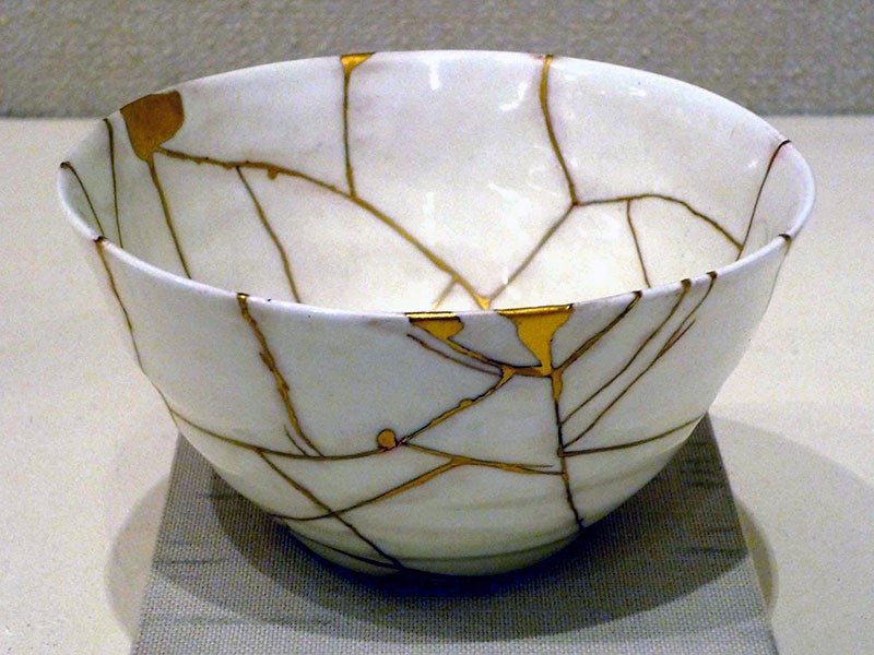 Being a kintsugi pot